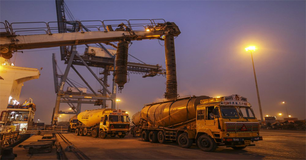Ultratech Cement Vehicles : Crumbling demand dogs india s biggest cement maker